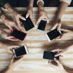 Spaziergang im Westend mit dem Smartphone oder Tablet unter der Anleitung von Amir Sano (nur für Android Nutzer*Innen) @ Bürgerinstitut